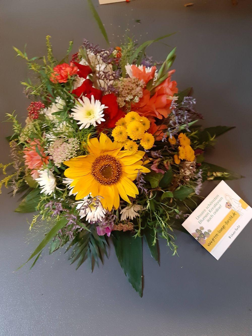 Blumenstrauß rund gebunden herbstlich - zoom