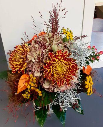 Image - Blumenstrauß rund gebunden herbstlich