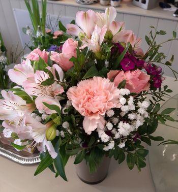 Image - Blumenstrauß rund gebunden